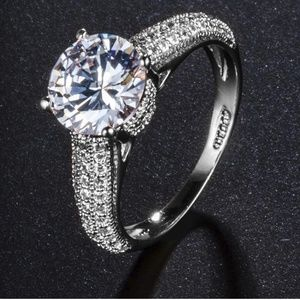 Cubic Zirconia Ring Size 7.5 Round Cathedral